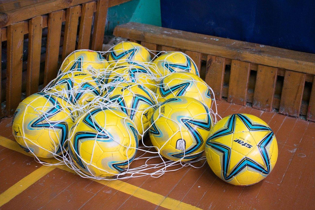 【広背筋】サッカーで相手に競り勝てる体にする筋トレメニュー
