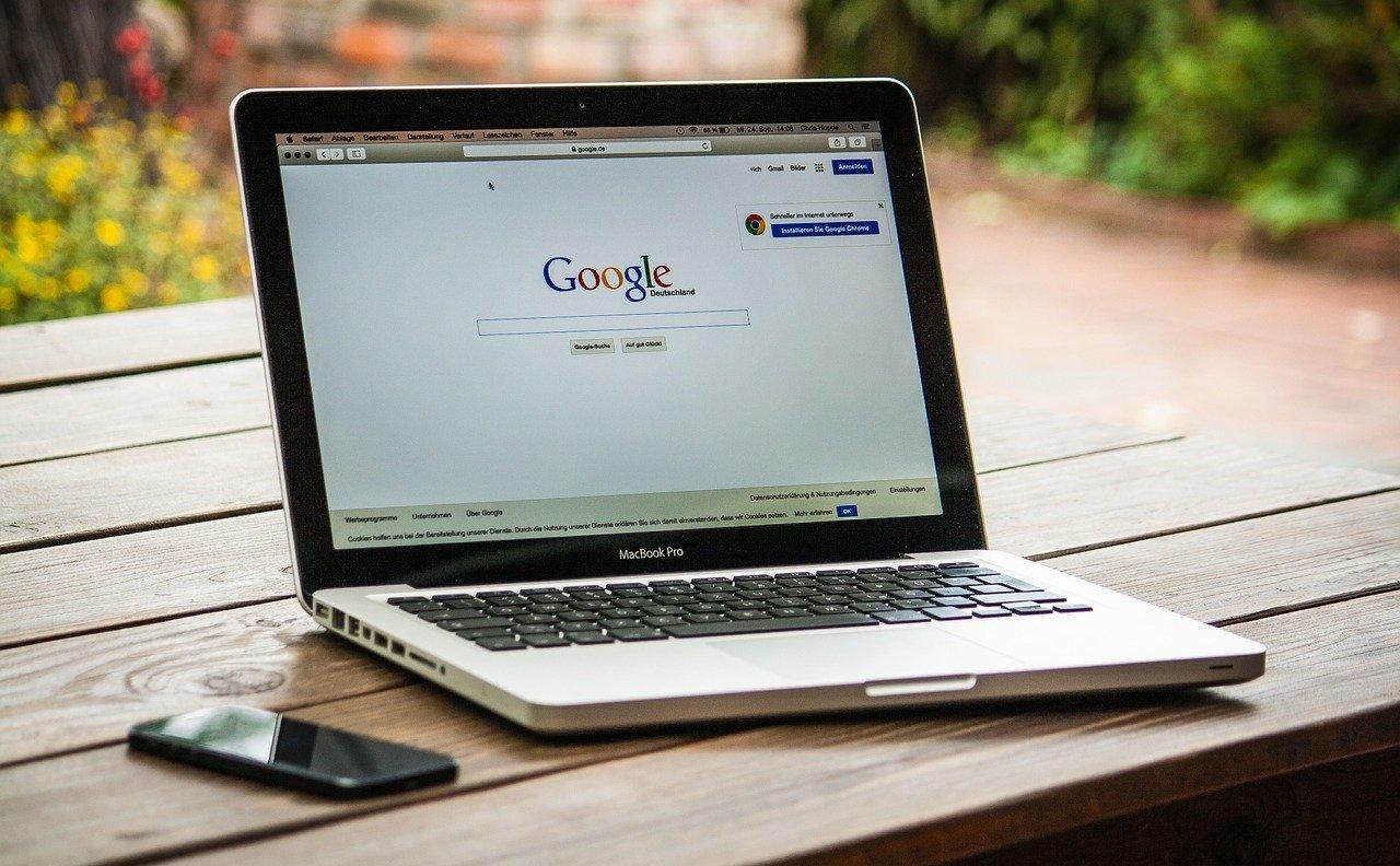 Google検索エンジンの主要なアルゴリズムアップデートのまとめ